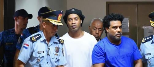 Ronaldinho Gaúcho fala pela primeira vez após prisão. (Arquivo Blasting News)