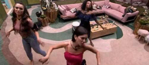 Sisters fazem coreografia do hit de Dua Lipa, 'Don't Start Now'. (Reprodução/TV Globo)
