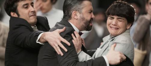 Una Vita, trame Spagna: Felipe aggredisce Laura per aver difeso Genoveva a processo