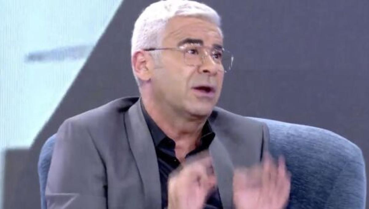 Ada Colau agradece a Jorge Javier Vázquez que calle la boca