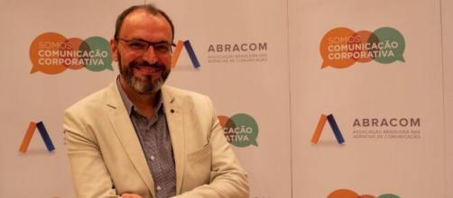 Carlos Henrique Carvalo é presidente-executivo da Abracom. (Reprodução/Siete Silvério)