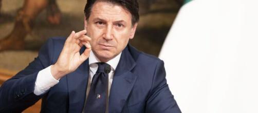 Polemiche tra Conferenza Episcopale Italiana e Palazzo Chigi per le messe ancora vietate per misure Covid-19