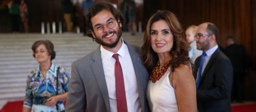 Túlio Gadêlha ao lado da namorada Fátima Bernardes. (Arquivo Blasting News)