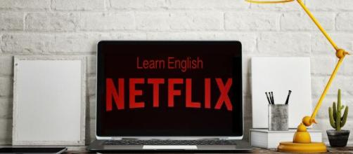 É possível usar a plataforma para aprender um idioma, e algumas séries da Netflix pode auxiliar no seu inglês (Blasting News)