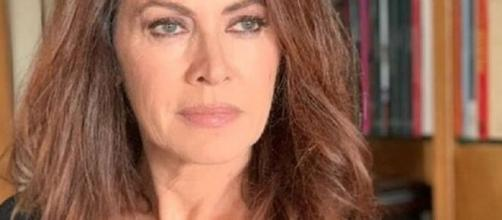 Elena Sofia Ricci rilascia un'intervista e parla di Vivi e lascia vivere.