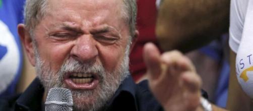 Lula critica Bolsonaro. (Arquivo Blasting News)