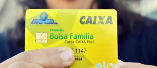 Os beneficiários do Bolsa Família receberão R$ 600 se esse valor for maior que a quantia que normalmente é depositada (Arquivo Blasting News)