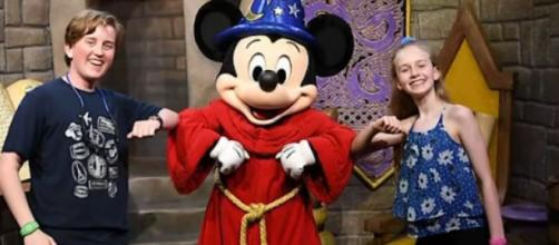 Walt Disney World & Universal Orlando resorts closing amid coronavirus pandemic. [Image source/News4JAX YouTube video]