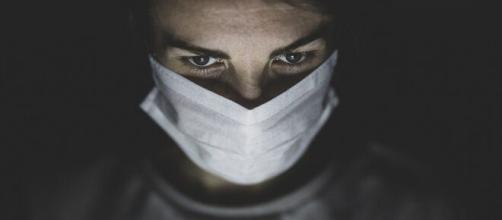 Coronavirus : testée positive une infirmière met fin à ses jours
