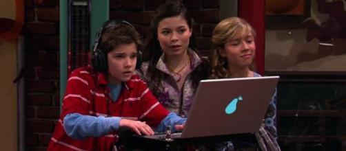 """Famosos de """"Icarly"""" nos dias atuais. (Reprodução/Nickelodeon)"""