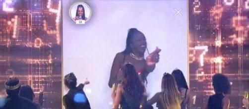 IZA nega ter feito homenagem para Pyong Lee em festa no 'BBB20'. (Reprodução/TV Globo)