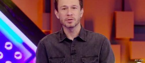 Tiago Leifert durante o programa do 'BBB20' desta quinta-feira (2). (Reprodução/TV Globo)