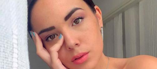 TPMP : Agathe Auproux déclare avoir pris sa première douche depuis le début du confinement. Credit : Instagram/agatheauproux