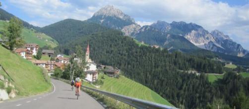Dal 4 maggio le strade tornano aperte per i ciclisti.