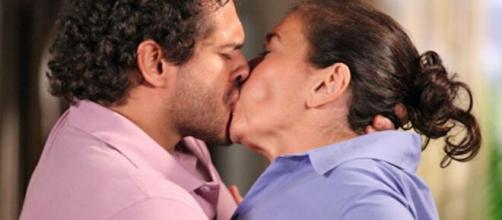 Guaracy vai deixar Griselda sem fôlego em 'Fina Estampa'. (Reprodução/TV Globo)