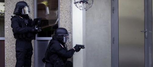 Le RAID a arrêté deux militants de l'ultra gauche soupçonnés de préparer un attentat contre la police