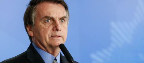O presidente Jair Bolsonaro mostra frieza em frente aos problemas que ocorre no país. ( Arquivo Blasting News )