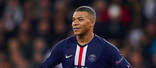 PSG champion 2019-2020. (Credit : Instagram/k.mbappe)