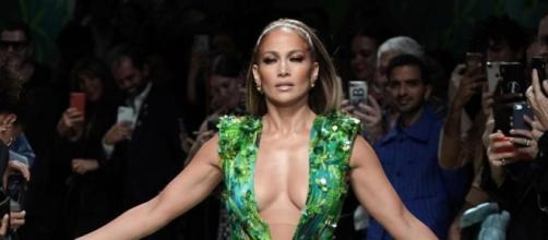 A canora e atriz Jennifer Lopez morou nas ruas antes de alcançar a fama. (Instagram: @jlo)