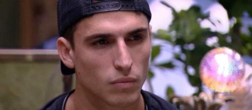 Através das redes sociais, Prior se defendeu das acusações de abuso. (Reprodução/TV Globo)
