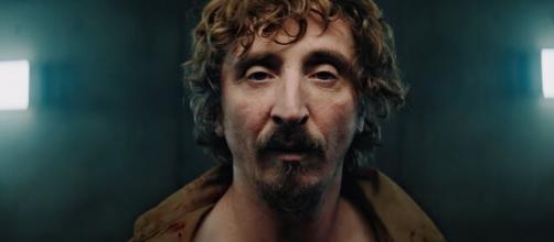 Iván Massagué interpreta Goreng, o protagonista do filme 'O poço', recente destaque na Netflix. (Arquivo Blasting News)