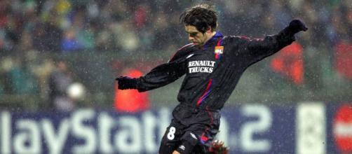 Juninho est le meilleur tireur de coup franc de l'histoire (Credit : Twitter UEFA)