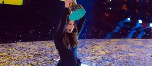 Gaia Gozzi vince Amici 19 e ringrazia Maria De Filippi.