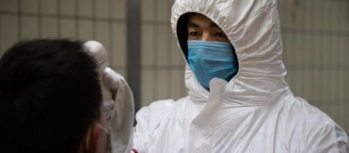 China señala que el coronavirus se transmite antes de que haya ... - univision.com