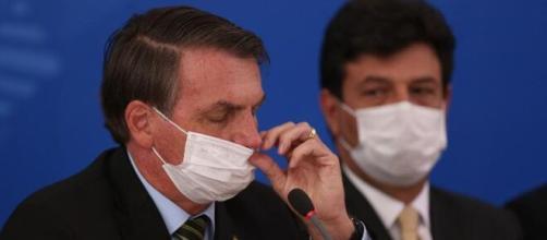 Covid-19: Colunista faz críticas ao jejum proposto por Bolsonaro. (Arquivo Blasting News)