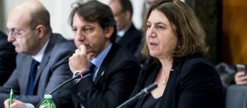 """La Ministra Catalfo: """"Reddito di emergenza per 3 milioni di italiani""""."""