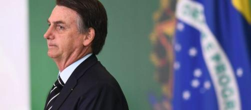 Tribunal internacional denuncia Bolsonaro por 'estimular contágio' da covid-19. (Arquivo Blasting news)