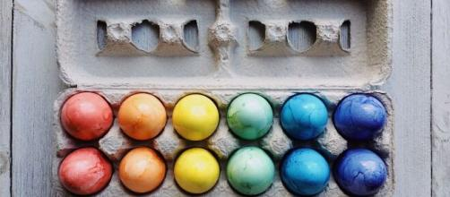Uova di Pasqua fai da te: alcune idee da regalare o per decorare la tavola.