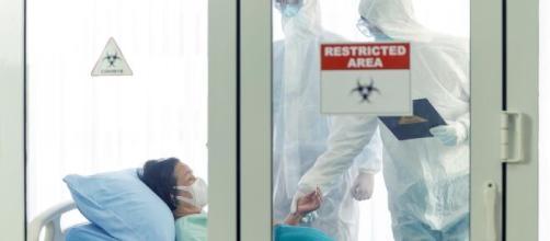 Uso de plasma de pessoas curadas do coronavírus é opção no tratamento de pacientes em estado grave. (Arquivo Blasting News)