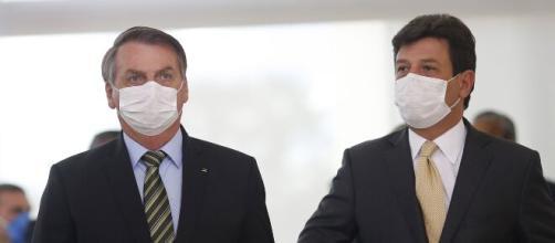 Bolsonaro deve demitir Mandetta ainda nesta segunda-feira (6), diz jornais. (Arquivo Blasting News)