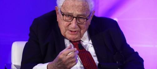 Coronavirus, secodo Henry Kissinger, la pandemia cambierà per sempre l'ordine mondiale