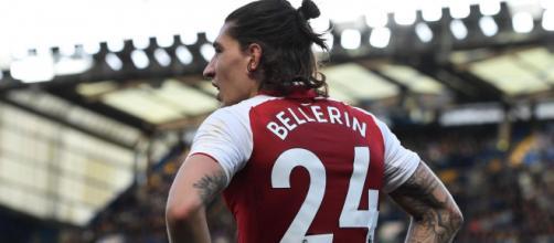 L'Inter pensarebbe a Bellerin per la fascia destra.