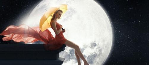 Predizioni zodiacali martedi 7 aprile: Luna in sestile al Sagittario, sereno l'Acquario