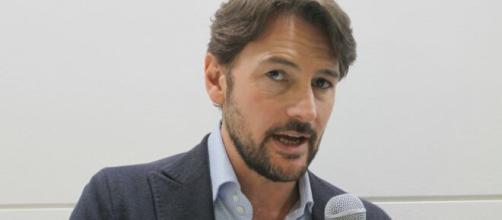 Roberto Farnesi spiega il motivo del successo della soap.