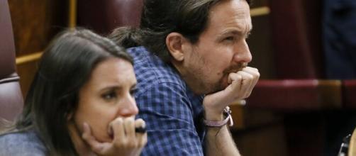 Según Ussía, la pareja de Podemos está rota y Pablo Iglesias tendría nueva pareja.