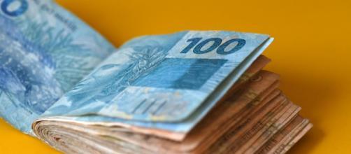 Auxílio emergencial de R$ 600 começa a ser pago na quinta-feira (9). (Arquivo Blasting News)