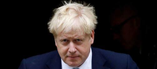 Boris Johnson contrajo coronavirus hace diez días y ha debido ser internado en cuidados intensivos.