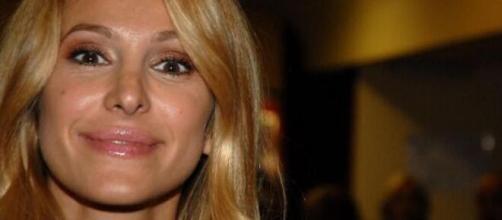 GF Vip 4: Adriana Volpe su Instagram smentisce qualsiasi rapporto con Andrea Denver.