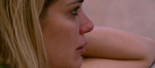Marcela chora após DR com Rafa. (Reprodução/TV Globo)
