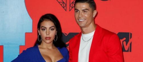 Mercato PSG : L'épouse de Ronaldo 'attirée' par Paris (Crédit instagram/georginagio)