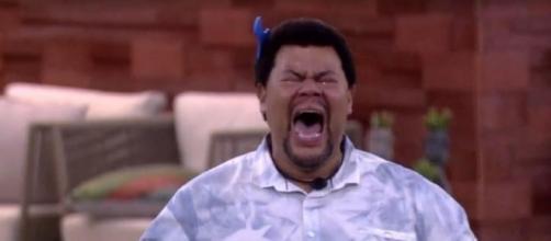 Babu comemora muito por sobreviver a mais um paredão do 'BBB20'. (Reprodução/TV Globo)