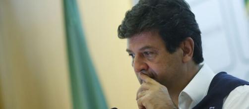 Bolsonaro indica que Mandetta irá matar o povo de fome. ( Arquivo Blasting News )