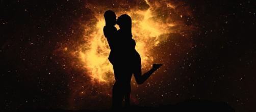O horóscopo do dia desta quarta-feira (08/04) nos revela coisas surpreendentes em relação ao amor. (Reprodução/Pixabay)