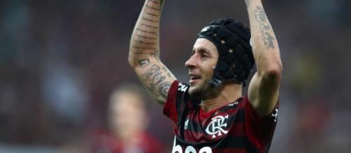 Rafinha conquistou a Libertadores pelo Flamengo e a Champions League pelo Bayern de Munique. (Arquivo Blasting News)