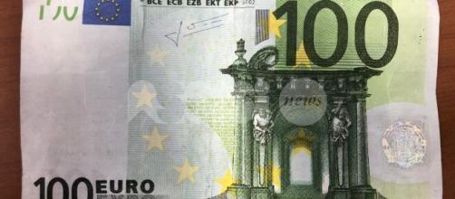 Una nuova circolare dell'Agenzia delle Entrate ha reso noto ulteriori chiarimenti in merito all'erogazione del bonus di 100 euro.