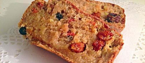 Cake alla frutta, un dolce da sgranocchiare ideale in ogni stagione